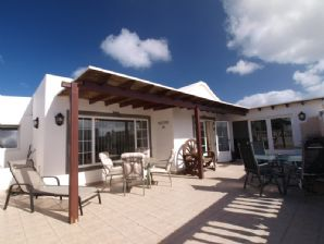 Detached 3 Bedroom 3 Bathroom Villa - Tias