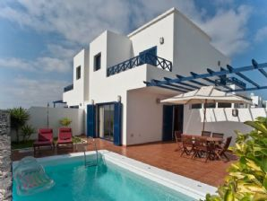 3 bedroom villa with private pool - Playa Blanca