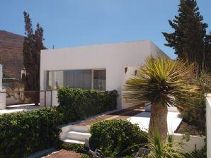 Villa with 2 bedrooms and garage - Montaña Blanca