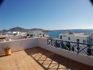 Apartment with sea views in Playa Blanca for sale