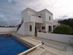 3 bedroom villa with apartment in Tahiche for sale