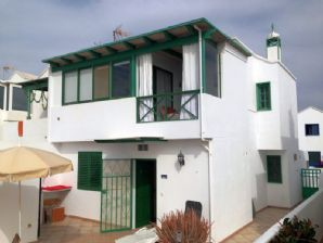 3 bedroom town house in Los Pocillos area for sale