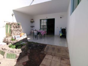 2 bedroom apartment with garden, Puerto del Carmen