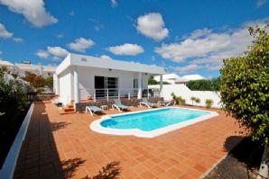 Modern villa with pool in Los Mojones for sale
