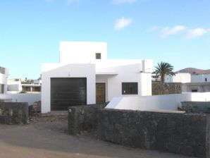 NEW - 3 Bedroom House with private Pool - Yaiza