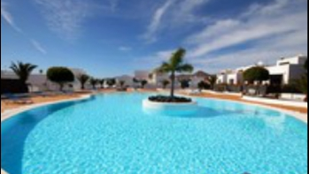 Exclusive property: 3 Bedroom 2 Bathroom town house for sale in the Marina Azul complex in Puerto Calero.