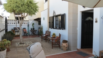 A good sized family home in the popular Playa Honda area close to the airport.