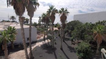 2 Bedroom Apartment in Playa Chica area of Puerto Del Carmen with sea views.