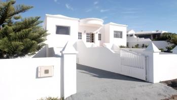 A 4 bedroom, 3 bathroom Villa in Conil with a private pool