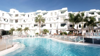 1 bed ground floor apartment in a popular complex old town Puerto del Carmen