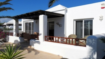 A beautiful 2 bedroom, 2 bathroom bungalow close to Playa Flamingo.