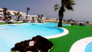 Large one bedroom apartment on a sports resort in Costa Teguise, for sale