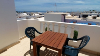 Apartment conveniently situated with sea views in Puerto del Carmen, for sale