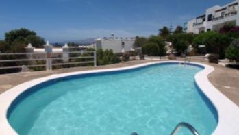 Bungalow mit fantastischen Aussichten, strandnah in Puerto del Carmen, zum Verkauf