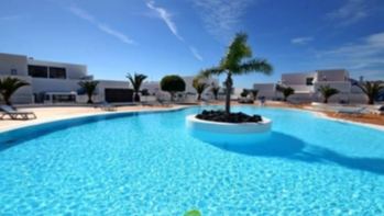 Beautiful 2 bedroom house with gardens and views for sale, Puerto Calero