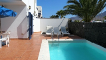 3 bedroom villa with pool in Playa Blanca