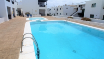 A well presented one bedroom apartment with communal pool.