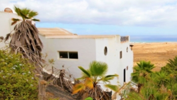 3 Bedroom house with sensational views in Guime, for sale