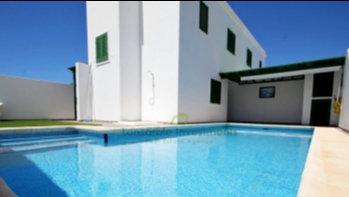 3 Bedroom house in central Puerto del Carmen with pool