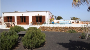 Large private Villa with Fantastic Views in Macher