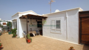 Two bedroom detached villa in central Puerto del Carmen