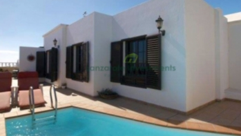 Three bedroom detached villa, with separate two bedroom apartment in Tias.