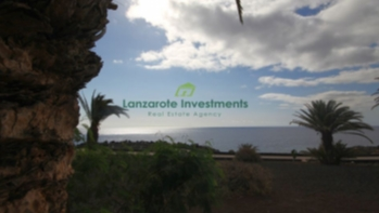 Frontline 3 Bedroom, 2 Bathroom Vila in Costa Teguise