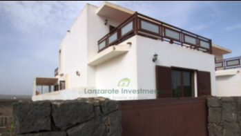 Five bedroom Triplex in a lovely residential area of San Bartolomé