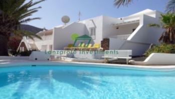 Große freistehende Villa mit 5 Schlafzimmern in Playa Blanca