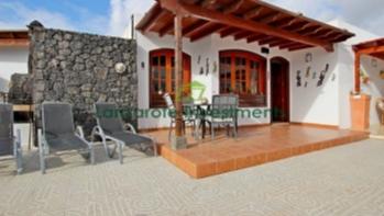 3 Bedroom 2 bathroom Villa ideally located in a sought after area of Puerto Del Carmen