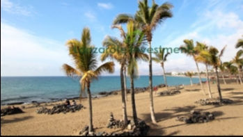 2 Bedroom Apartment 100 metres from the Beach