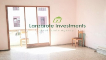 Spacious 4 Bedroom Apartment in Central Arrecife
