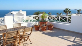 Excellent penthouse apartment with sea views and large terrace