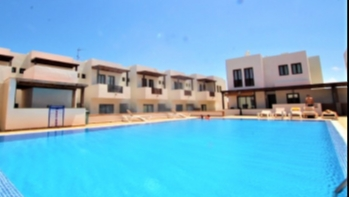 Excellent 2 bedroom duplex on a popular complex for sale in Puerto Calero
