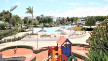 Lovely studio apartment with communal pool for sale in Costa Teguise