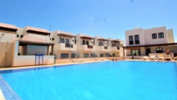 2 bedroom 2 bathroom Duplex with communal pool for sale in Puerto Calero