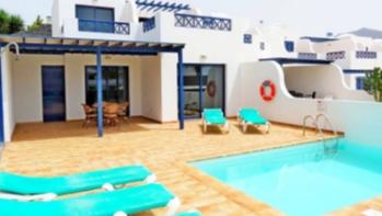 Seltene Gelegenheit, eine 3 Schlafzimmervilla nahe dem Strand in Playa Blanca zu besitzen