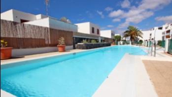 Komplett renovierte Wohnung in einer großen Anlage mit Gemeinschaftspool in Puerto del Carmen