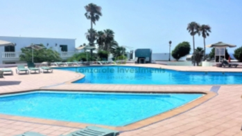 2 bedroom apartment on a popular complex in Puerto Del Carmen