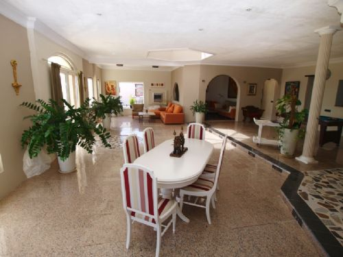 4 Bedroom Villa with Sea Views - Puerto Calero