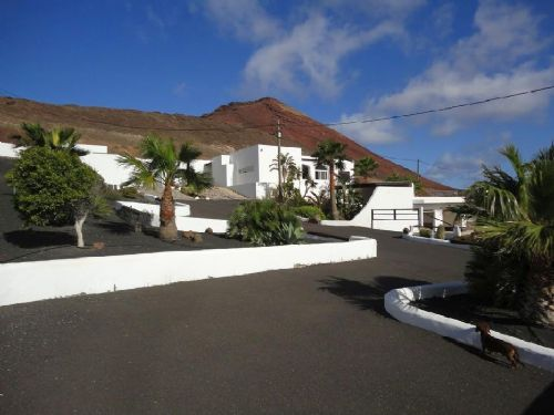 3 bedroom villa with stables in Soo for sale