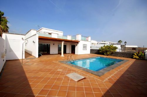 Brand new 4 bedroom villa with pool, Puerto Calero