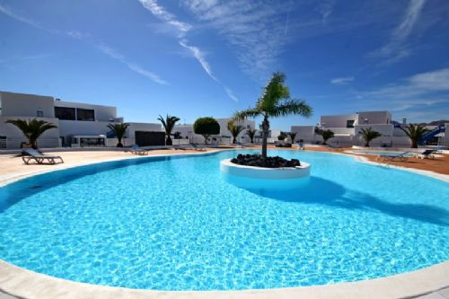 2 bedroom apartment in Puerto Calero for sale