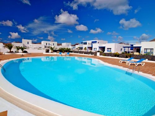 2 bedroom town house, sea views, for sale in Puerto Calero