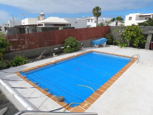 4 bedroom villa with private pool in Playa Blanca