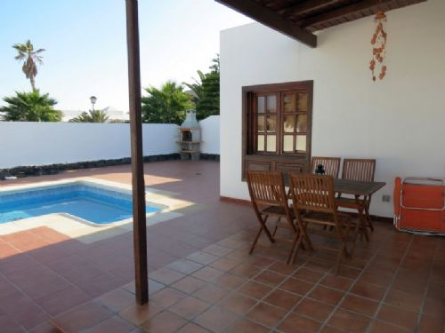 2/3 Bedroom villa Playa Blanca for sale