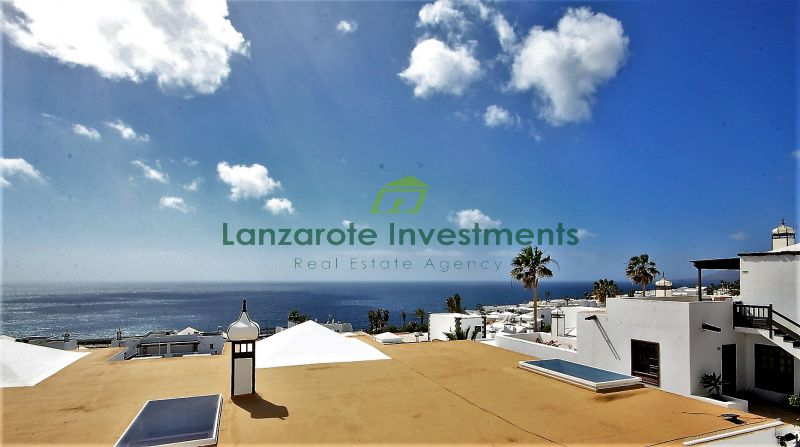 Fantastic 1 Bedroom Apartment with Immaculate Panoramic Sea Views