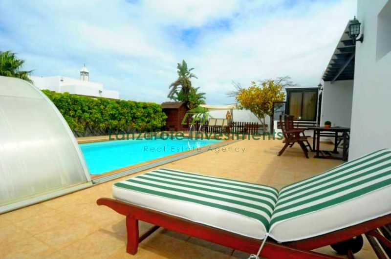 Fantastic 3 bedroom villa with heated pool and large plot
