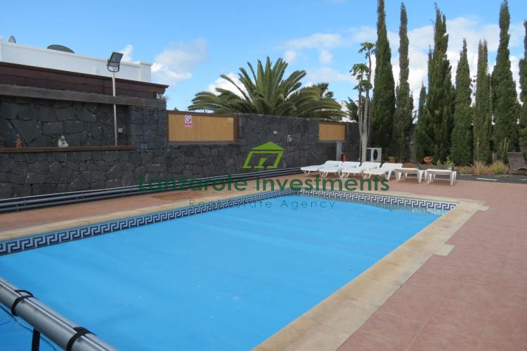 Exclusive - 3 Bedroom Villa with pool close to the beaches and Marina Rubicon