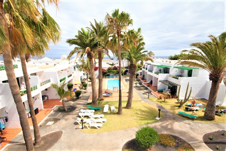 1 Bedroom Top Floor Apartment on a Frontline Complex For Sale in Puerto del Carmen